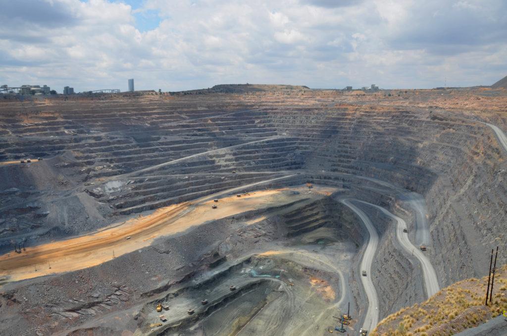 Mining solutions Jwaneng Diamond Mine Design Optimisation pseudo flow whittle optimisation
